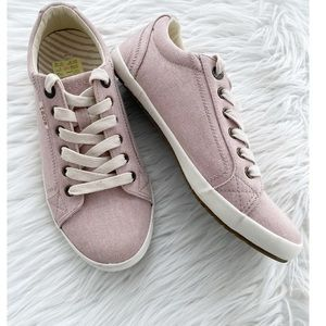 Taos • Star Canvas Sneakers
